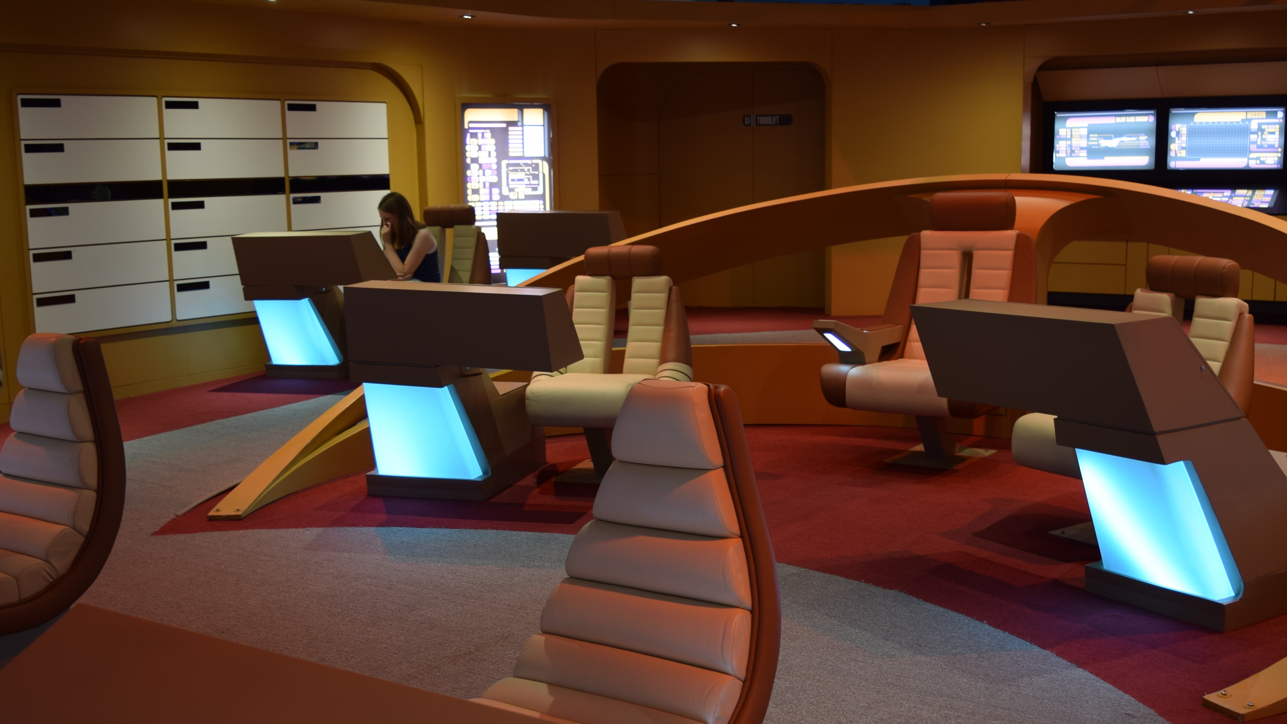 Photos: Trekkies Gather for the First Stop on a North American 'Star Trek' Tour