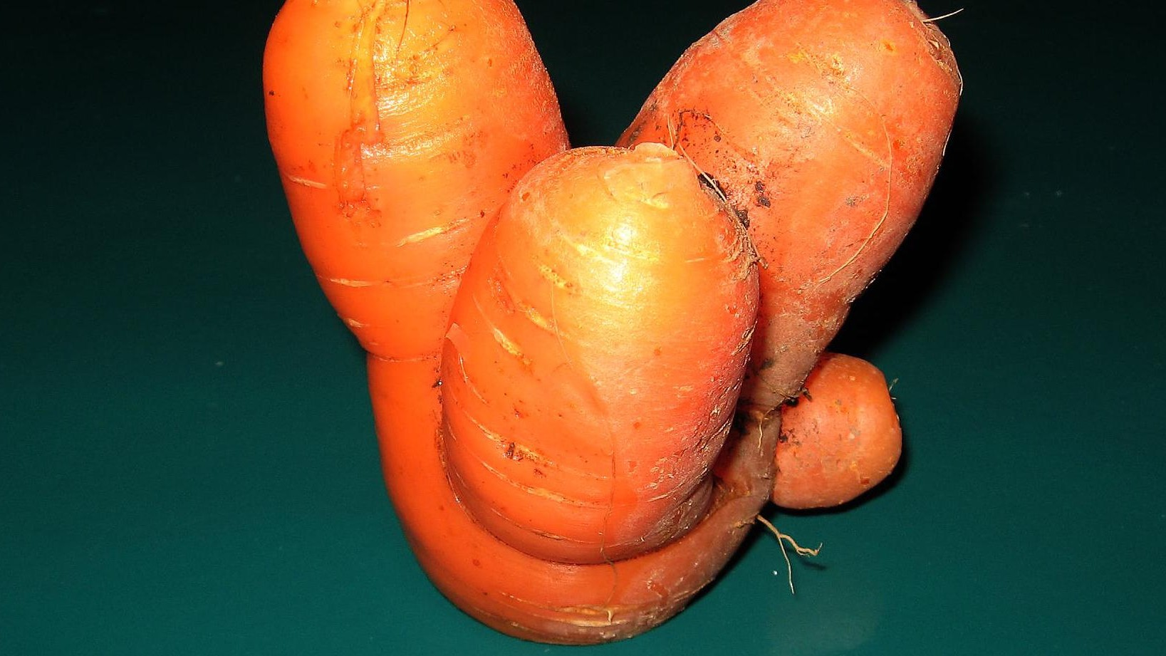 Quebec Finally Got Rid of Its Bizarre Ban on Selling Ugly Fruit