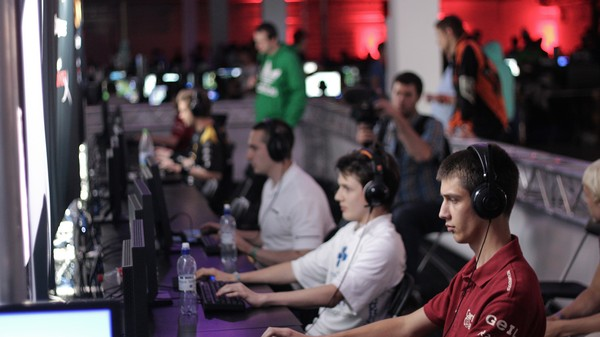 Gaming the System: Esports Players Face Many Challenges in Unionizing