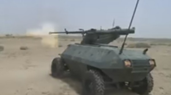 Iraqi Forces Debut ISIS-Hunting Remote Tank