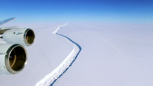 A Giant Iceberg the Size of Delaware Is About to Break Away From Antarctica
