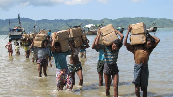Myanmar's Rohingya Muslims Look to the Internet for Justice