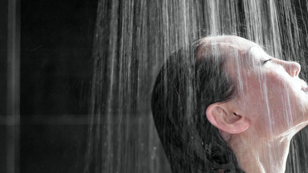 Your Showerhead Is Crammed Full of Bacteria That Scientists Want to Study