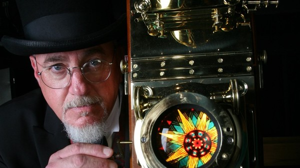 One Man Is Bringing Magic Lantern Shows Back from the Dead