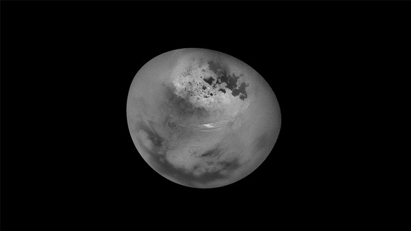 Watch Summer Clouds Roll Across the Skies of Saturn's Moon Titan