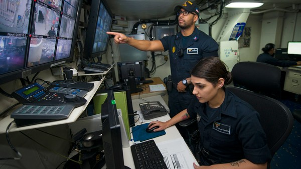 US Navy Waits Till Thanksgiving Eve to Disclose Hack of 130,000 Sailors