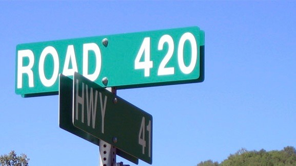 Transportation Agencies Are Really Sick of People Stealing 420 Mile Markers