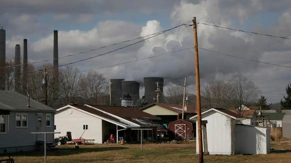 Roadside Motherboard: A Dirty Energy Driving Tour Into Nitro, West Virginia