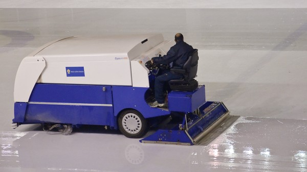 Clear the Ice: A Driverless Ice Resurfacing Machine Is Coming [UPDATED]