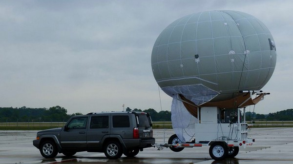 Blimps Will Soon Hover Over US Highways and Monitor Traffic Around the Clock