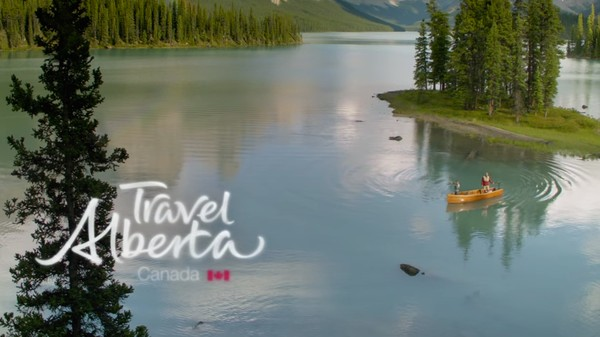 ISIS's Terrorist Recruitment Videos Rip Off Canadian Tourism Ads