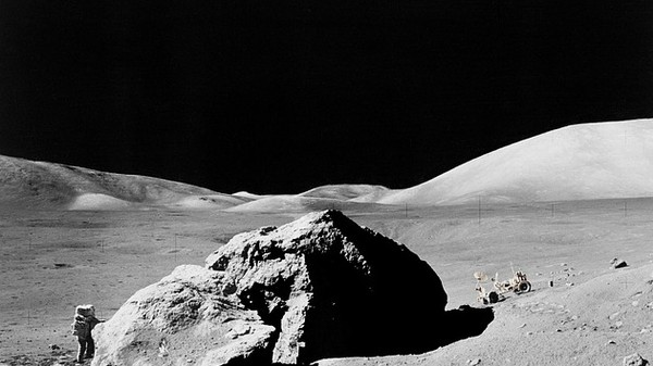 There's Now a Reason to Go Fossil Hunting on the Moon