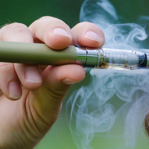 E-Cigs Are Healthier Than Tobacco, According to All the Research Done So Far
