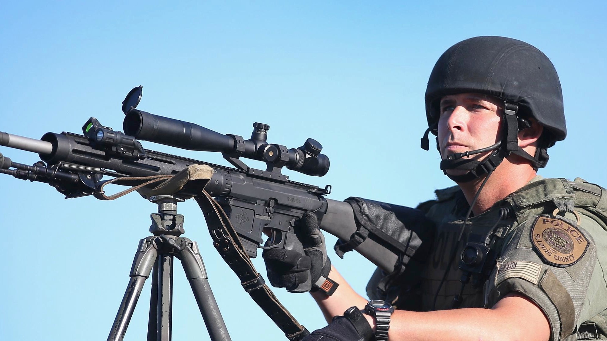 Reddit's Gun Community Takes Aim at 'Novice' Over-Militarized Police in Ferguson