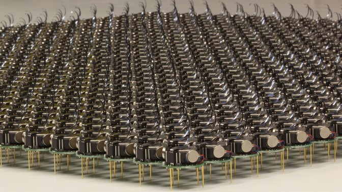 Here's a Swarm of 1,000 Robots Working Together