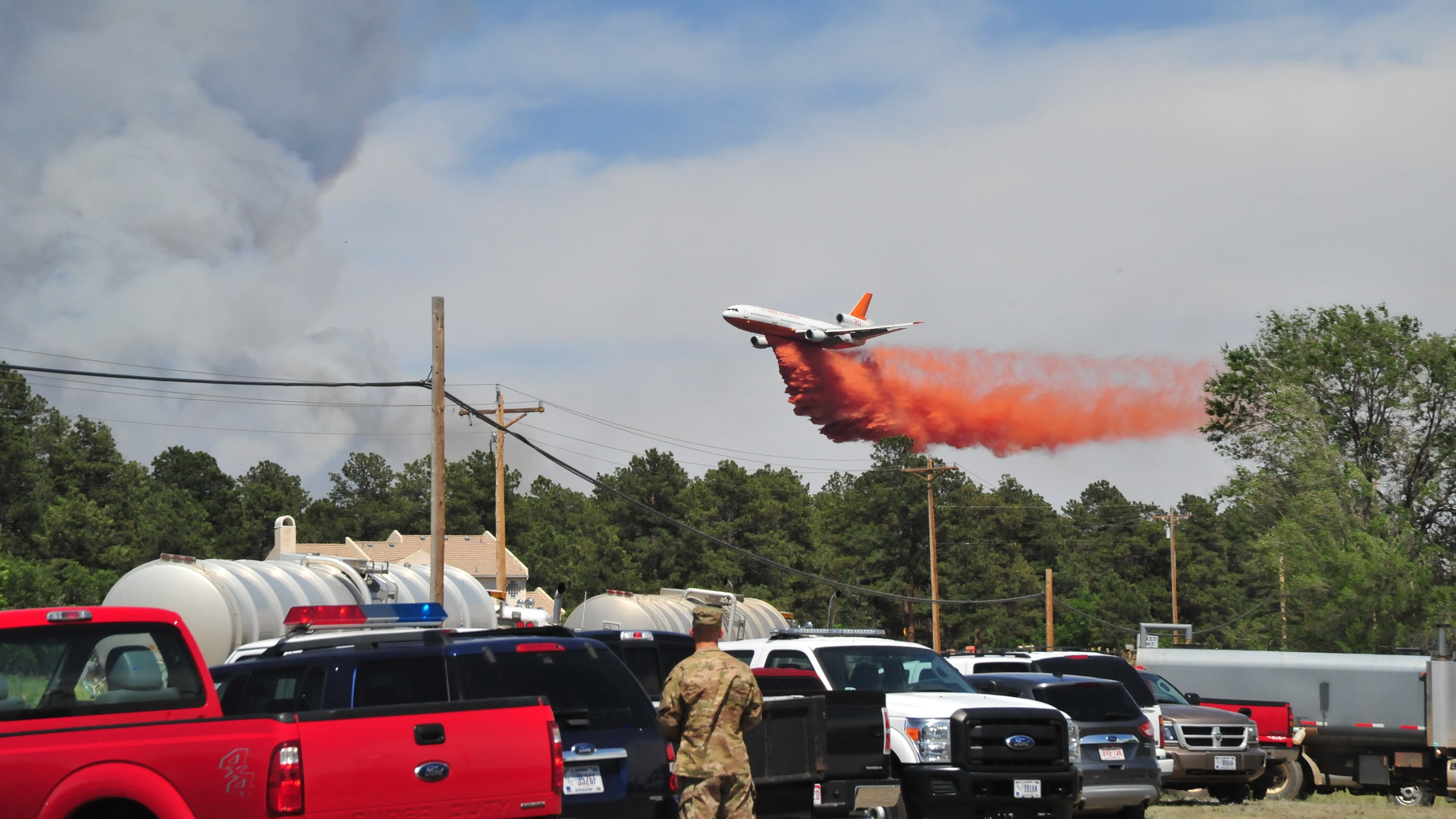 This Big Ol' Passenger Plane Is Perfect at Fighting Wildfires