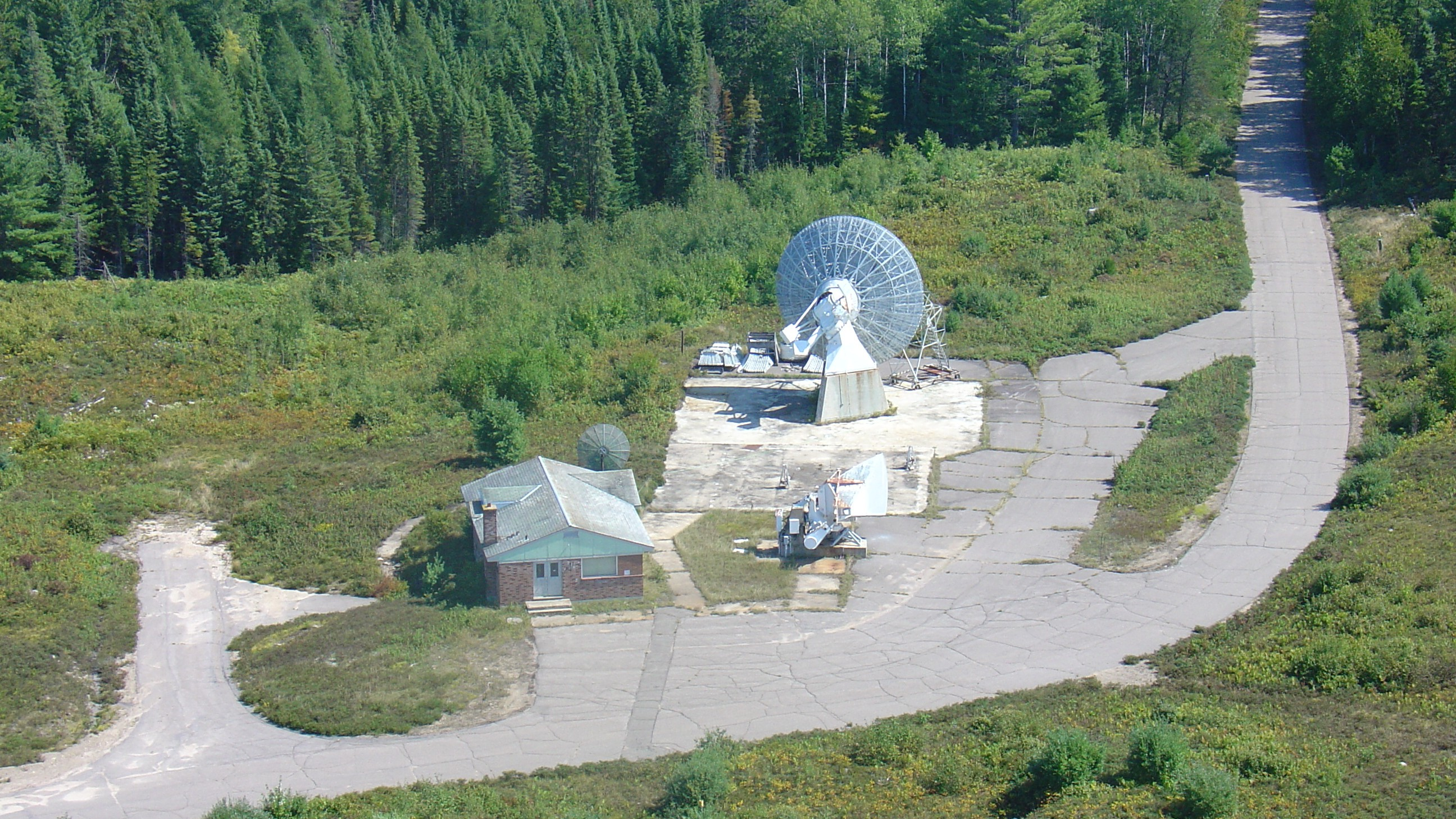 Resurrecting Canada's Long-Lost 46-Meter Telescope In the Middle of the Woods