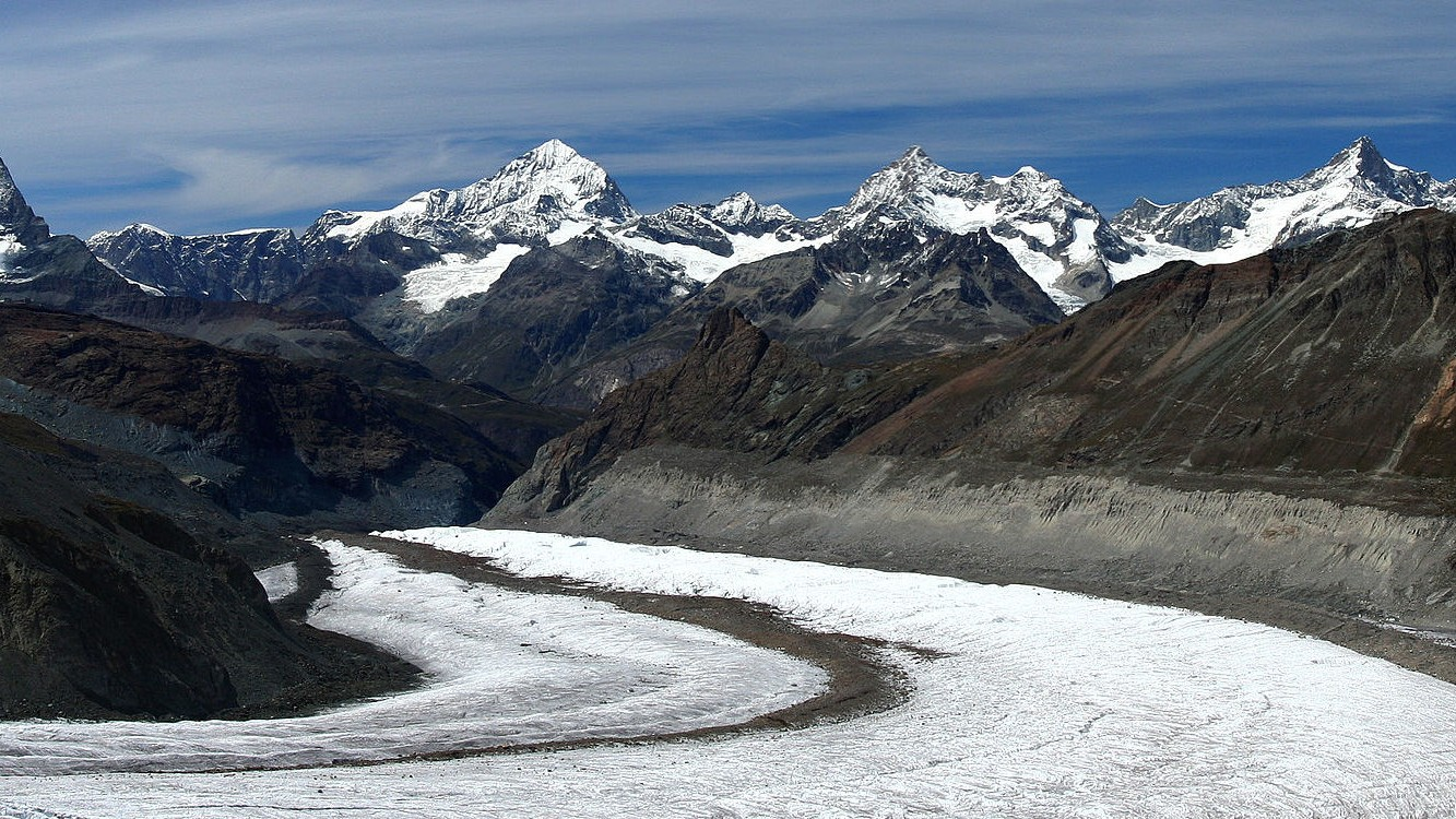 ​Listen to the Harmonic Hum of a Glacier