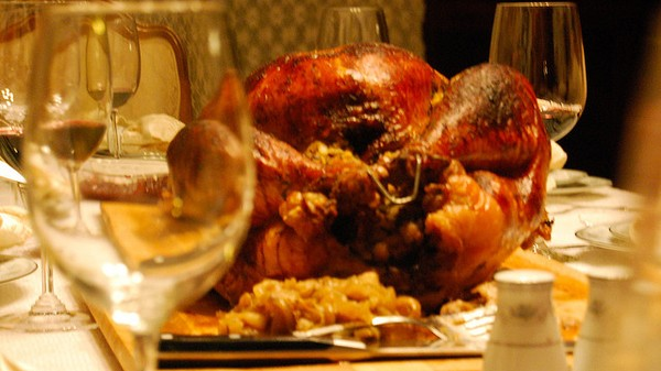 The Motherboard Guide to Drinking on Thanksgiving