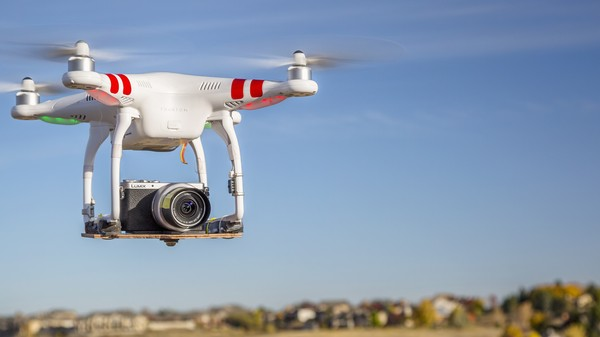 Small Drones Aren't a Threat to Airplanes If You Don't Fly Them Near Airports