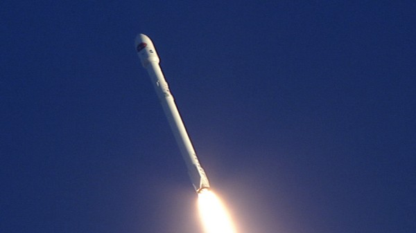 When SpaceX Takes Photos on a NASA Mission, Copyright Law Explodes