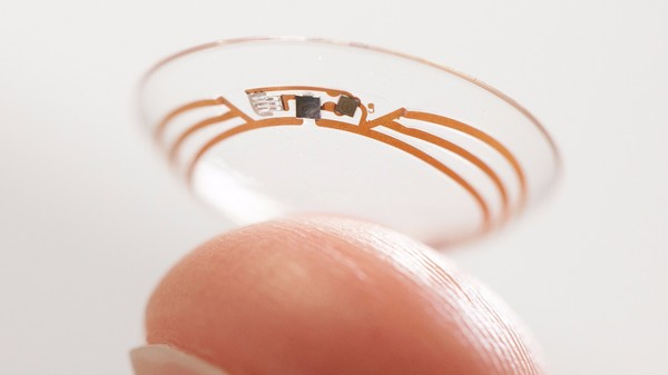 We Need a Tiny, Retina-Sized Miracle to Make the First Smart Contact Lens