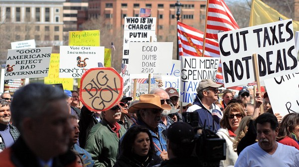 How Can the Left Stop the Patriot Act? Be More Like the Tea Party