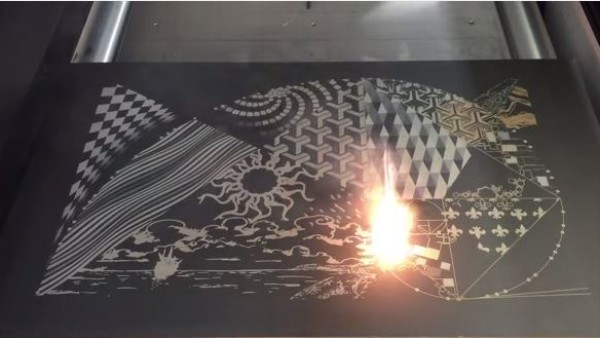 Watch This Lightning-Fast Laser Create a Detailed Work of Art
