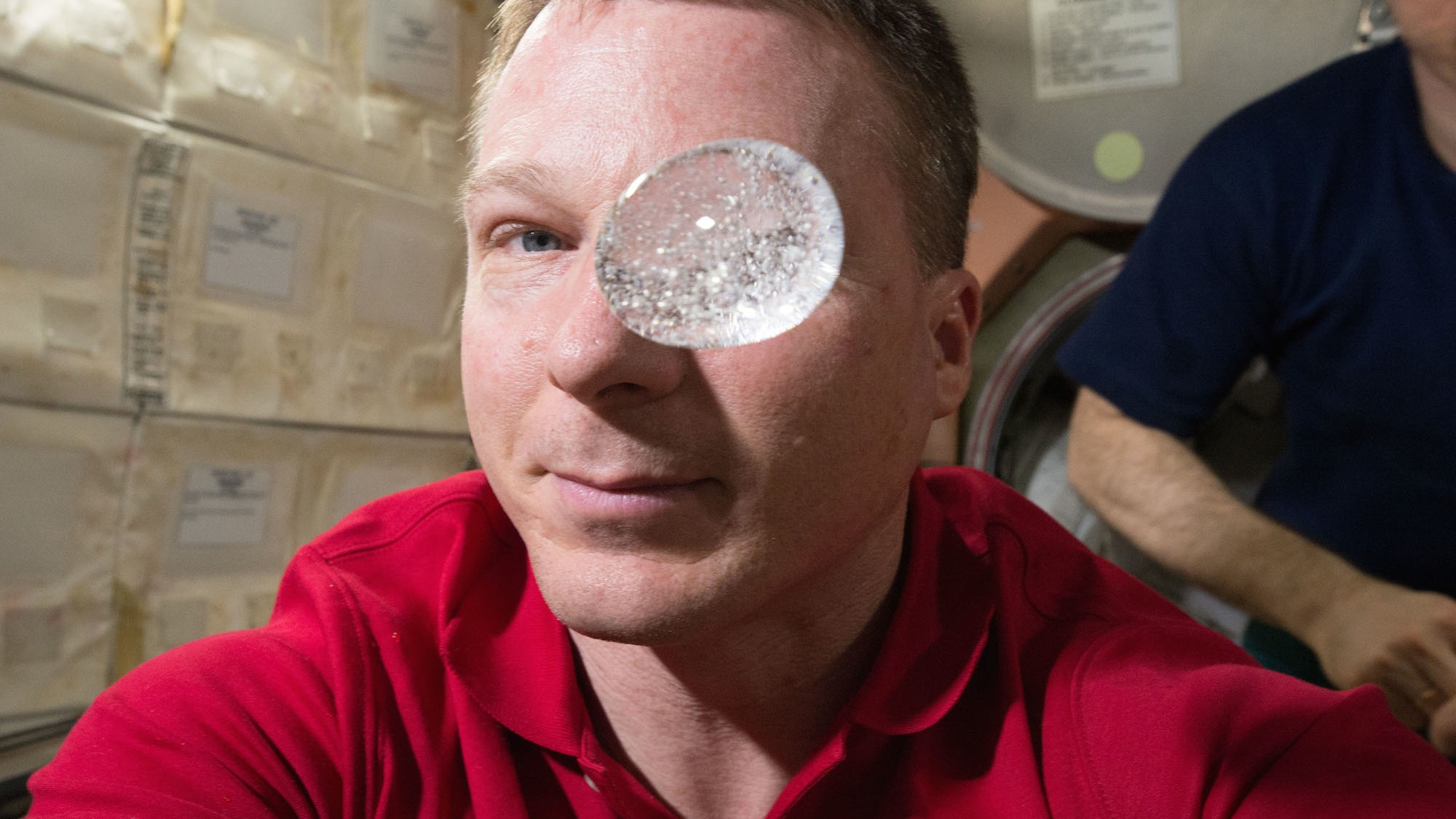 Watch This Astronaut Play With a Fizzing, Weightless Water Bubble