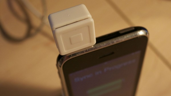 Researchers Turn Square Reader Into Credit Card Skimmer in Under 10 Minutes