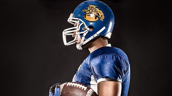 This Color Changing Helmet Material Could Help Detect Concussions