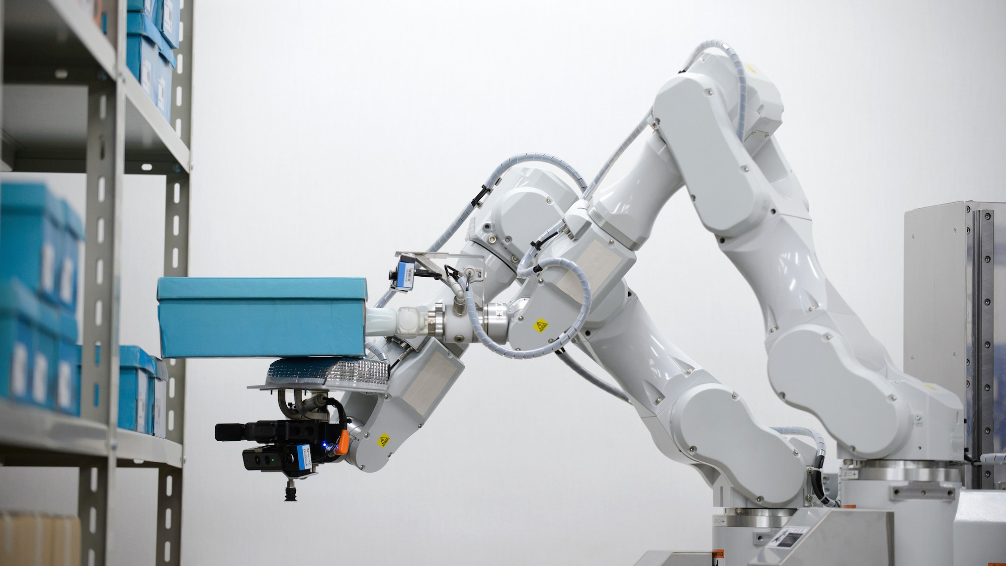 This Warehouse Robot Has 2 Arms, Works Twice as Fast