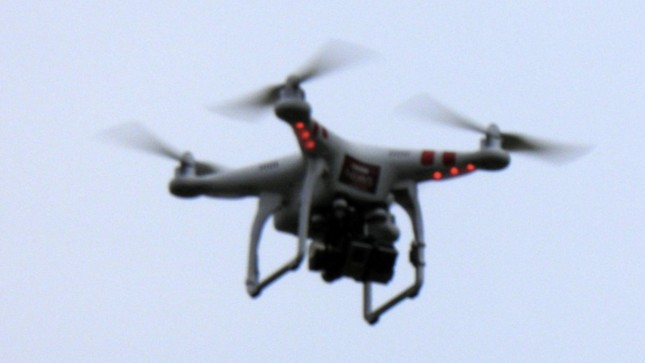 A Model Aircraft Pilot Is Suing the FAA Over Its New Drone Registration Rules