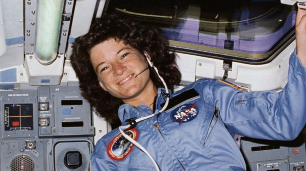 Why We Desperately Need to Study More Female Astronauts