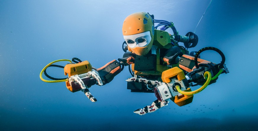 ​Humanoid Robot Diver Visits an Ancient Shipwreck for Its Maiden Voyage
