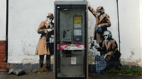Cell Phone Network Flaws Can Help Spies Get Around Encryption Apps