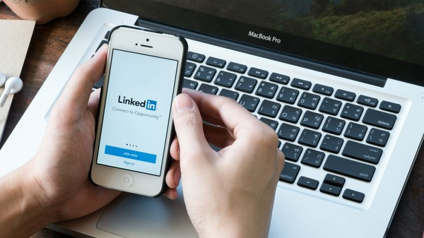 The Box You Absolutely Must Check When You Change Your LinkedIn Password