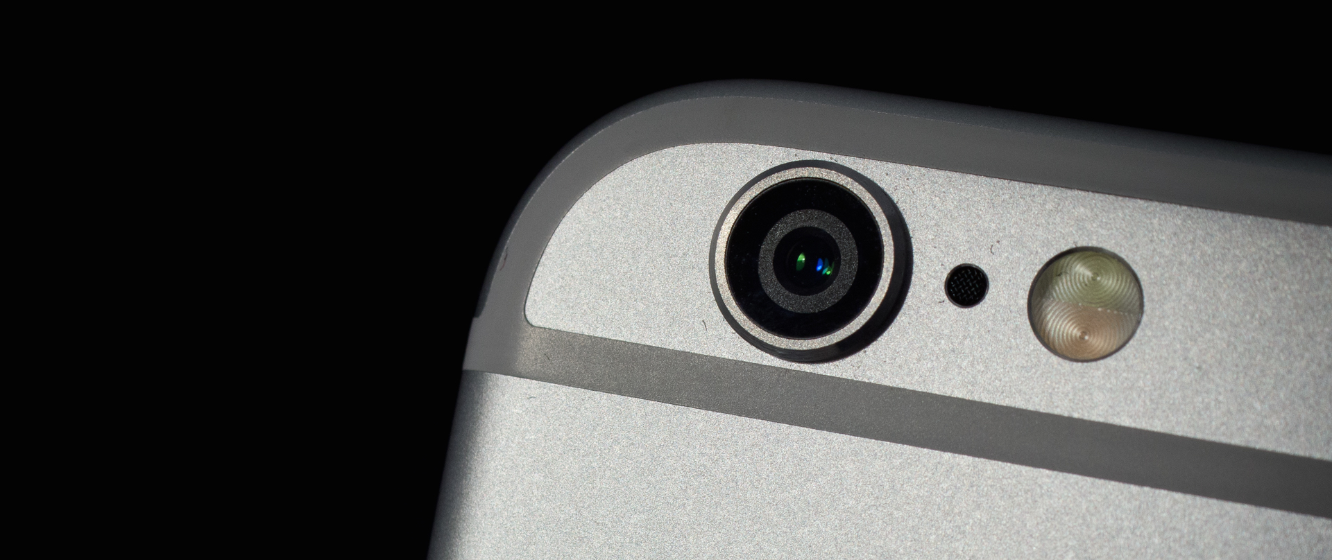 motherboard.vice.com - Written by Lorenzo Franceschi-Bicchierai - Government Hackers Caught Using Unprecedented iPhone Spy Tool