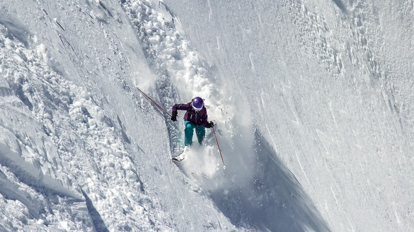 Gear Physics: The Leg-Saving Brilliance of Skis That Let Go