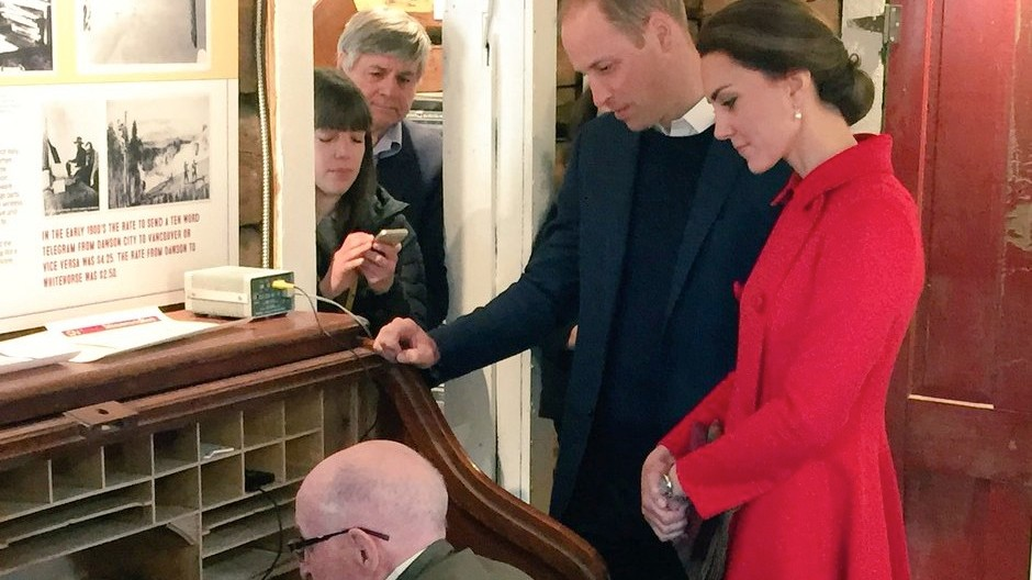 Will and Kate Just Sent a Telegraphed Tweet from a Log Cabin in Canada