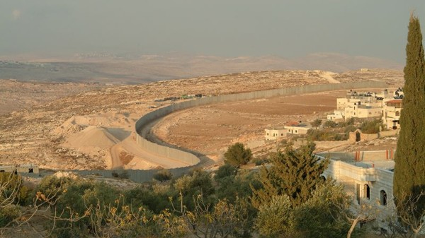 Waze Lets Israelis Avoid Palestinian Areas, but Not the Other Way Around