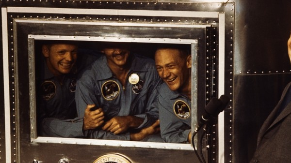 When Astronauts Spent Thanksgiving in Quarantine for Fear of Moon Disease