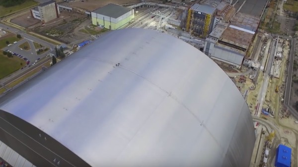 Watch Chernobyl Get Locked Inside a New Giant Steel Dome