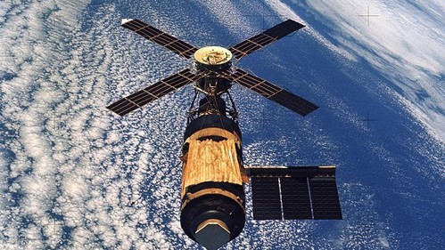 Skylab 4 Rang in the New Year with Mutiny in Orbit