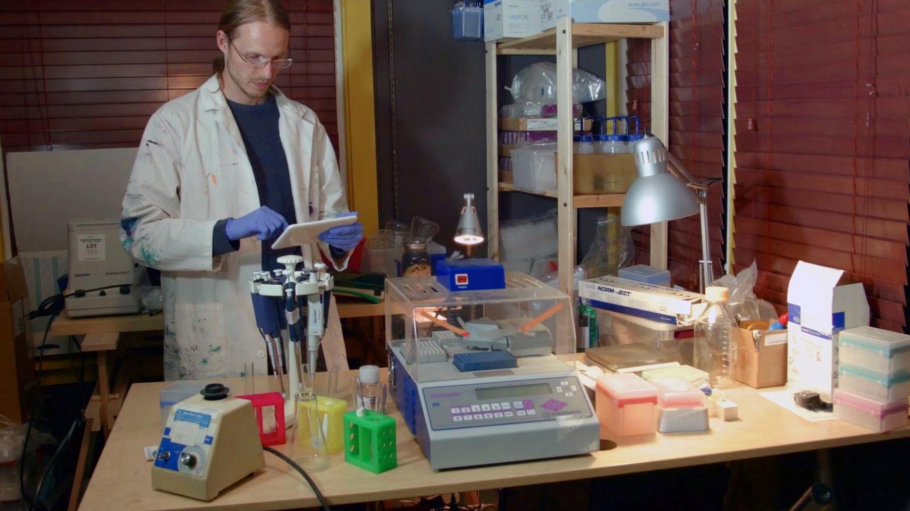 Biohackers maken veganistische kaas met behulp van menselijk DNA