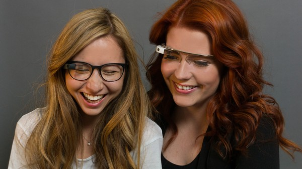 It's the End of Google Glass, and Glassholes Are Taking It Hard