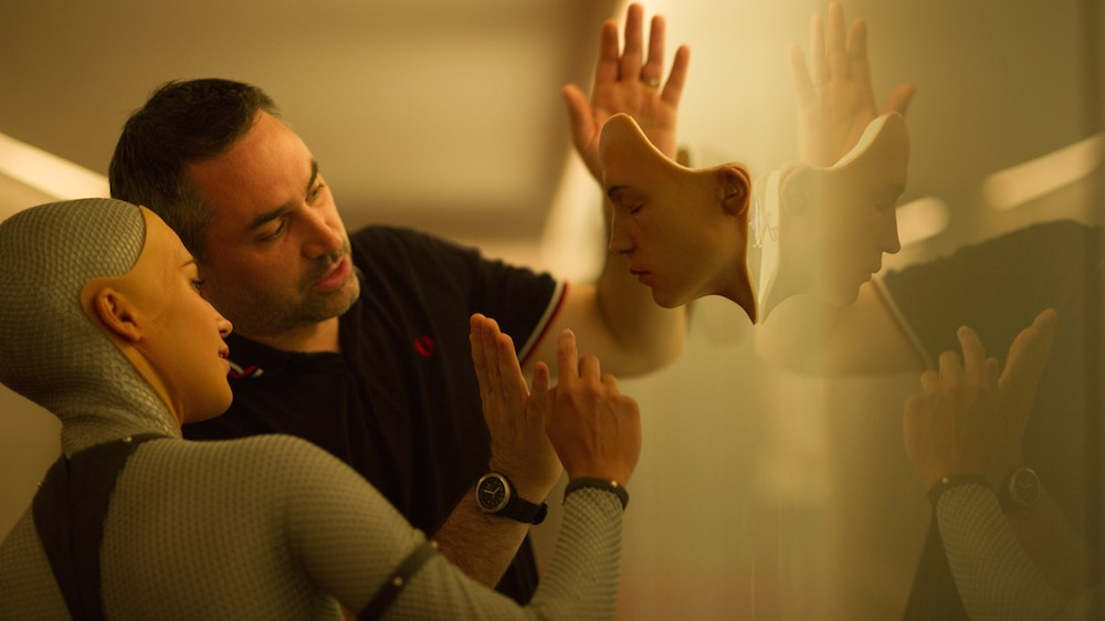 'Ex Machina' Director Alex Garland: Humans Are Scarier than AI