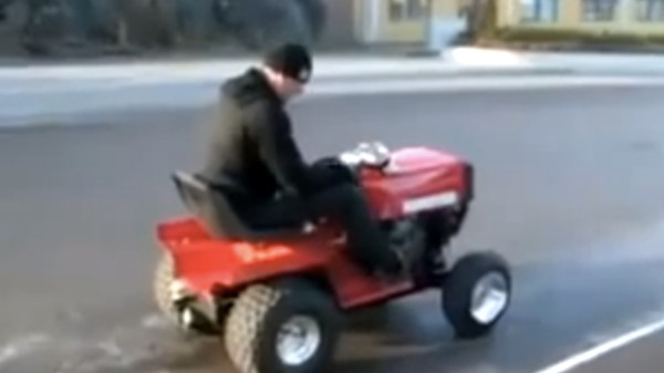 You Will Probably Die If You Put An R6 Motor In a Lawn Mower