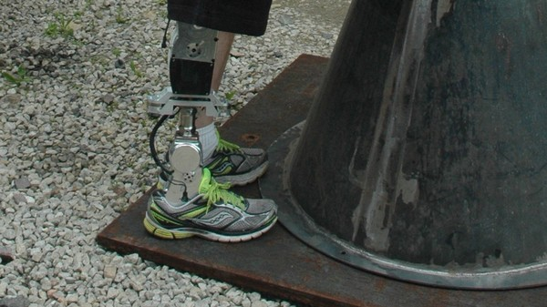 This New Bionic Leg Makes Stairs and Slopes No Obstacle