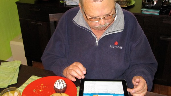A 'Tech Dad' Emailed 97,931 People Their Hacked Passwords